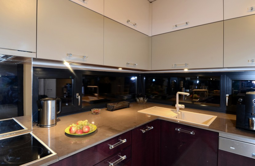 Modern konyhaszekrény tervezés és kivitelezés.