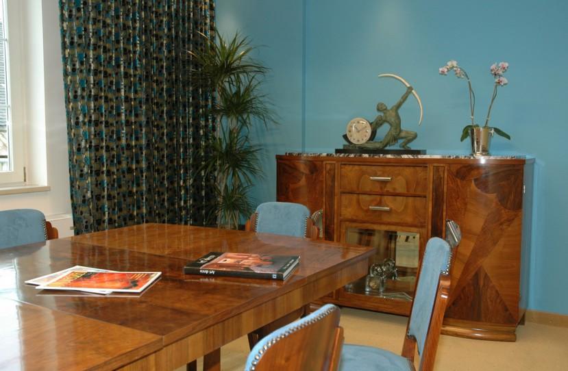 Egyedi irodai bútorok tervezése és kivitelezése.